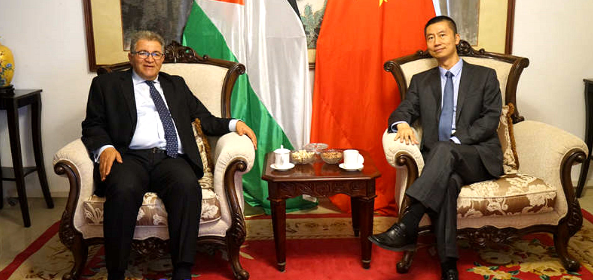 President Imad meets with Head of the Chinese Mission Guo Wei on May 8, 2018